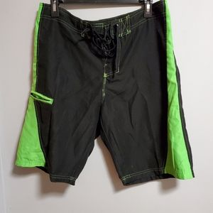 32 Men's swimming shorts